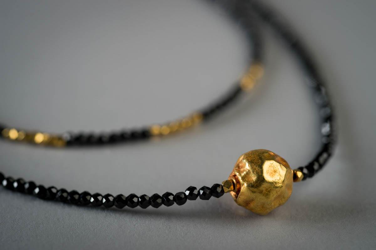 N5 - Blk Spinel Gold Orb